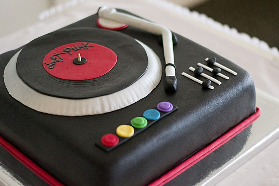 Pictures Of Dj Birthday Cakes