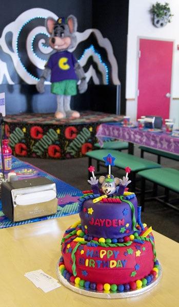 Chuck E Cheese Birthday Cake U Name It Creative Services