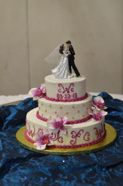 wedding cakes with writing cake gallery u name it creative services 26140