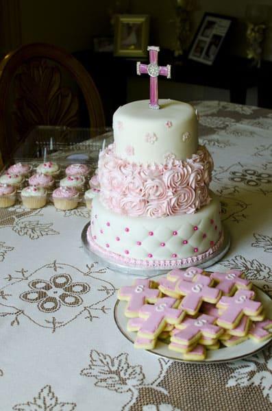 yazni_baptism_pink_cake8564
