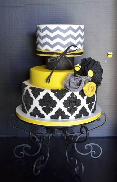 Country Chic Bumble Bee Cake