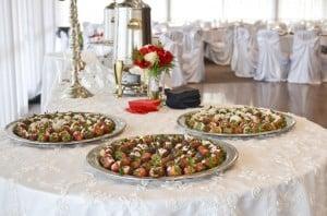 strawberries_red_damask_cake3716